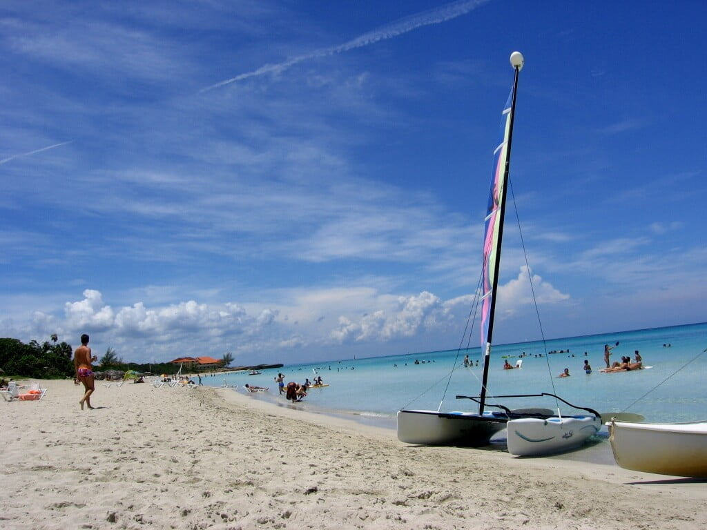 Cuba-travel-beaches-Glimpses-of-The-World