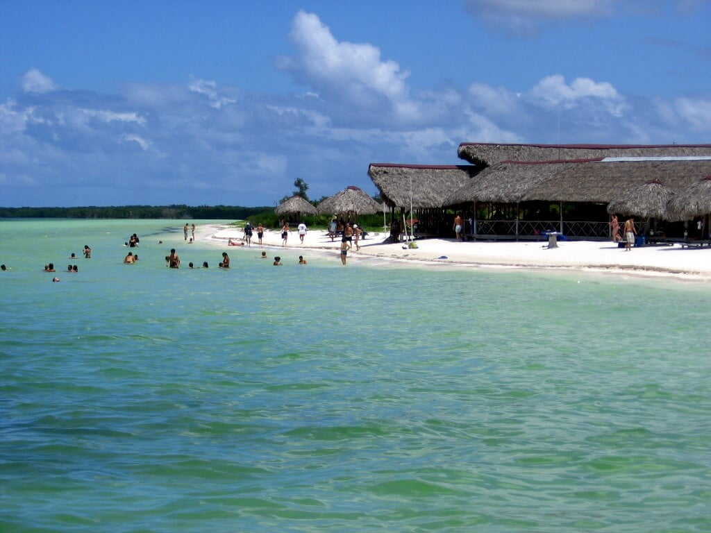 Cuba: OFF TO THE BEACH, CARIBBEAN STYLE! (5) - Glimpses of the World