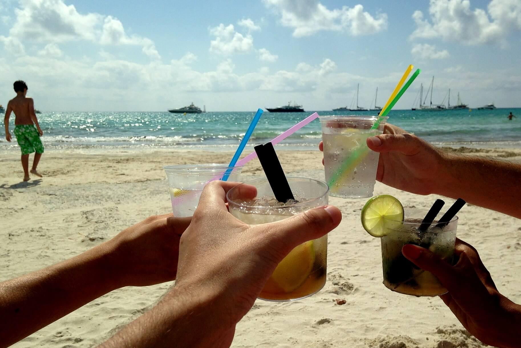 Cuba-travel-rum-cocktails-Havana-Glimpses-of-The-World