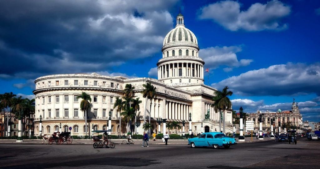 Cuba: THE CAPITOL AND THE REVOLUTION (7)
