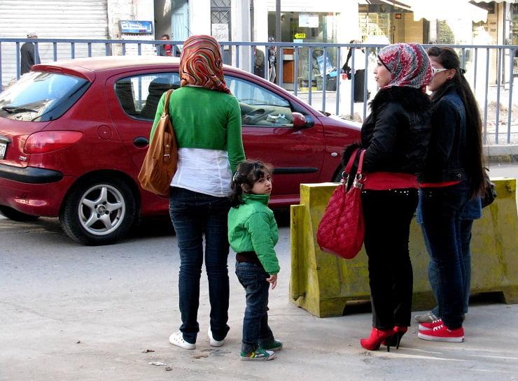 Jordan-travel-women-clothes-Glimpses-of-The-World