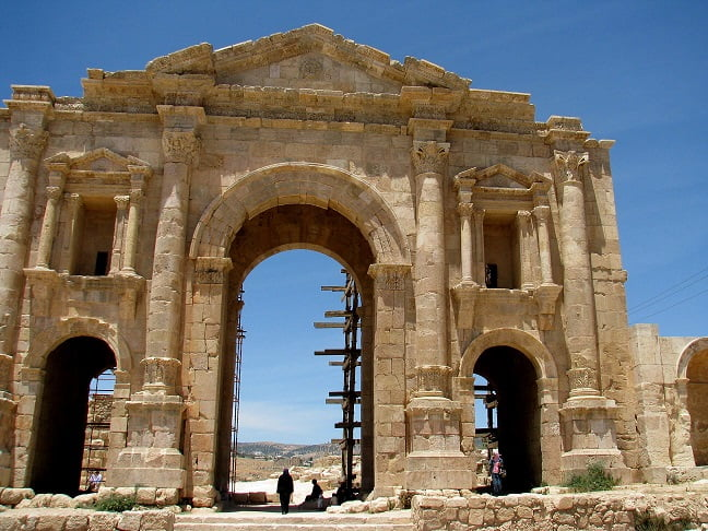Jordan-travel-Jerash-Glimpses-of-The-World