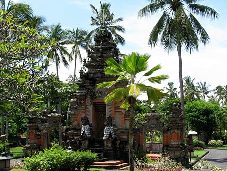 Travel-to-Bali-hotel-temple-Glimpses-of-The-World