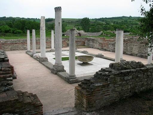 Serbia-travel-Felix-Romuliana-Glimpses-of-The-World