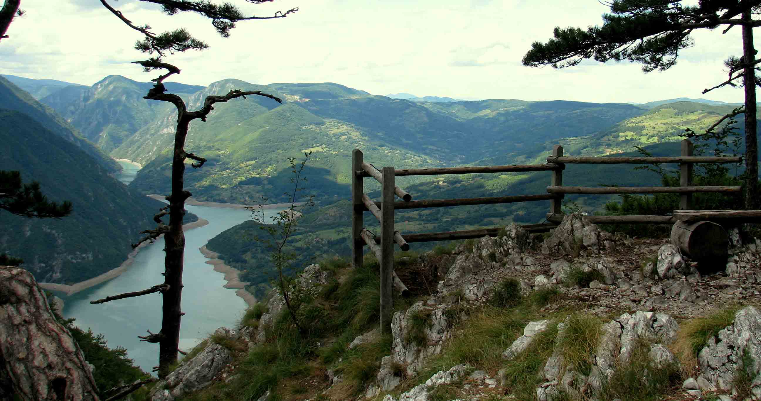 Serbia-travel-Tara-Mountain-Glimpses-of-The-World
