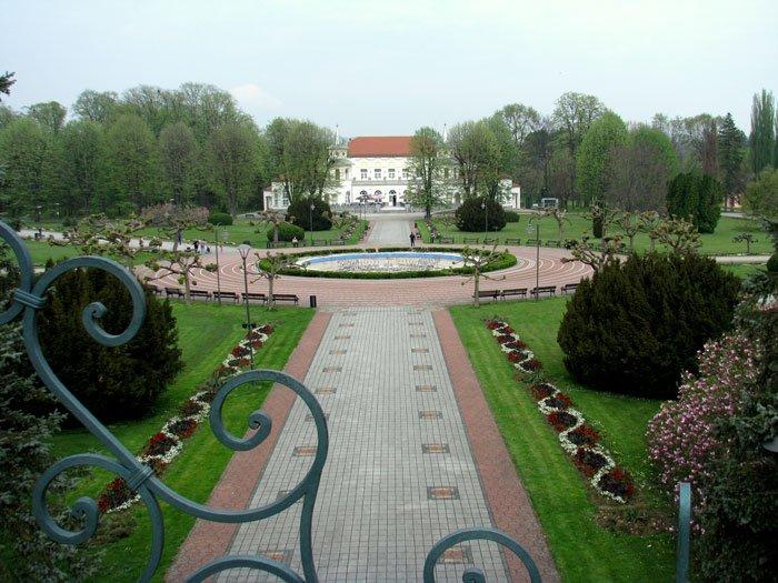 Serbia-travel-Loznica-Banja-Koviljaca-Glimpses-of-the-World