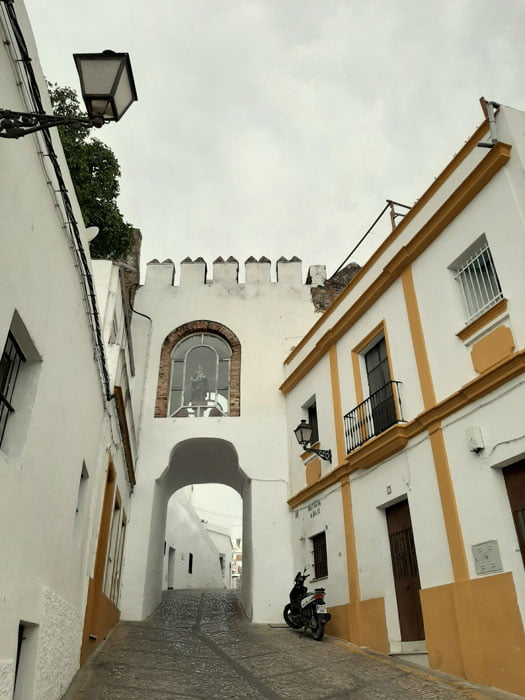 Arcos-de-la-Frontera-Spain-Glimpses-of-the-World